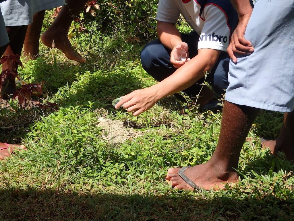 ソロモン諸島の中学生に凸レンズを渡してみた話