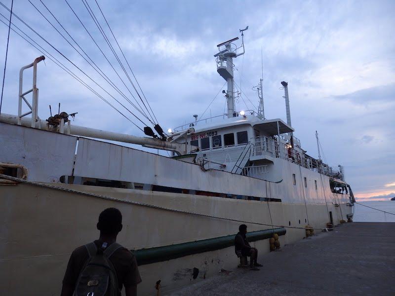 ソロモン諸島で船旅をする時に持っていってよかったもの ~27時間の船旅を終えて~